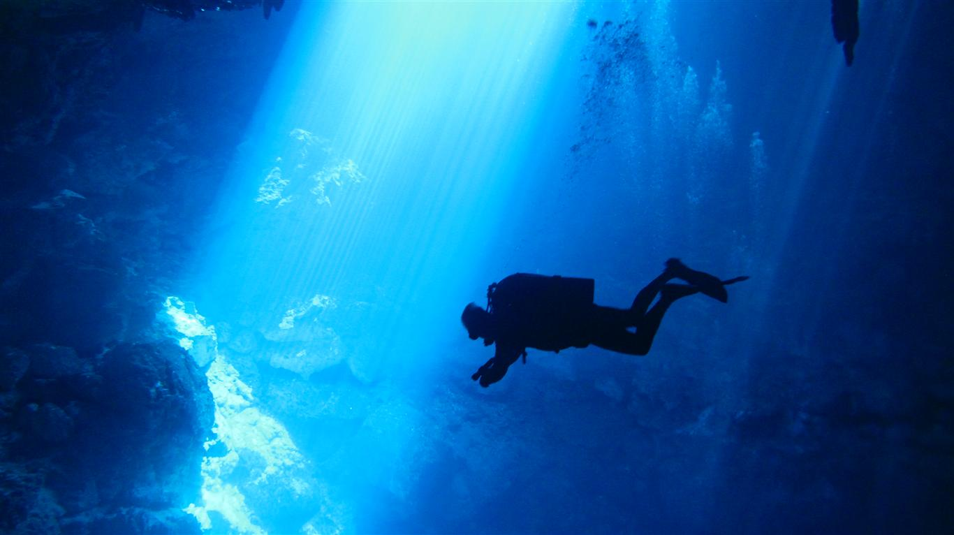 Cenote Cavern Diving