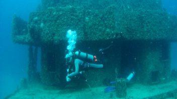 Wreck Dive in Puerto Morelos