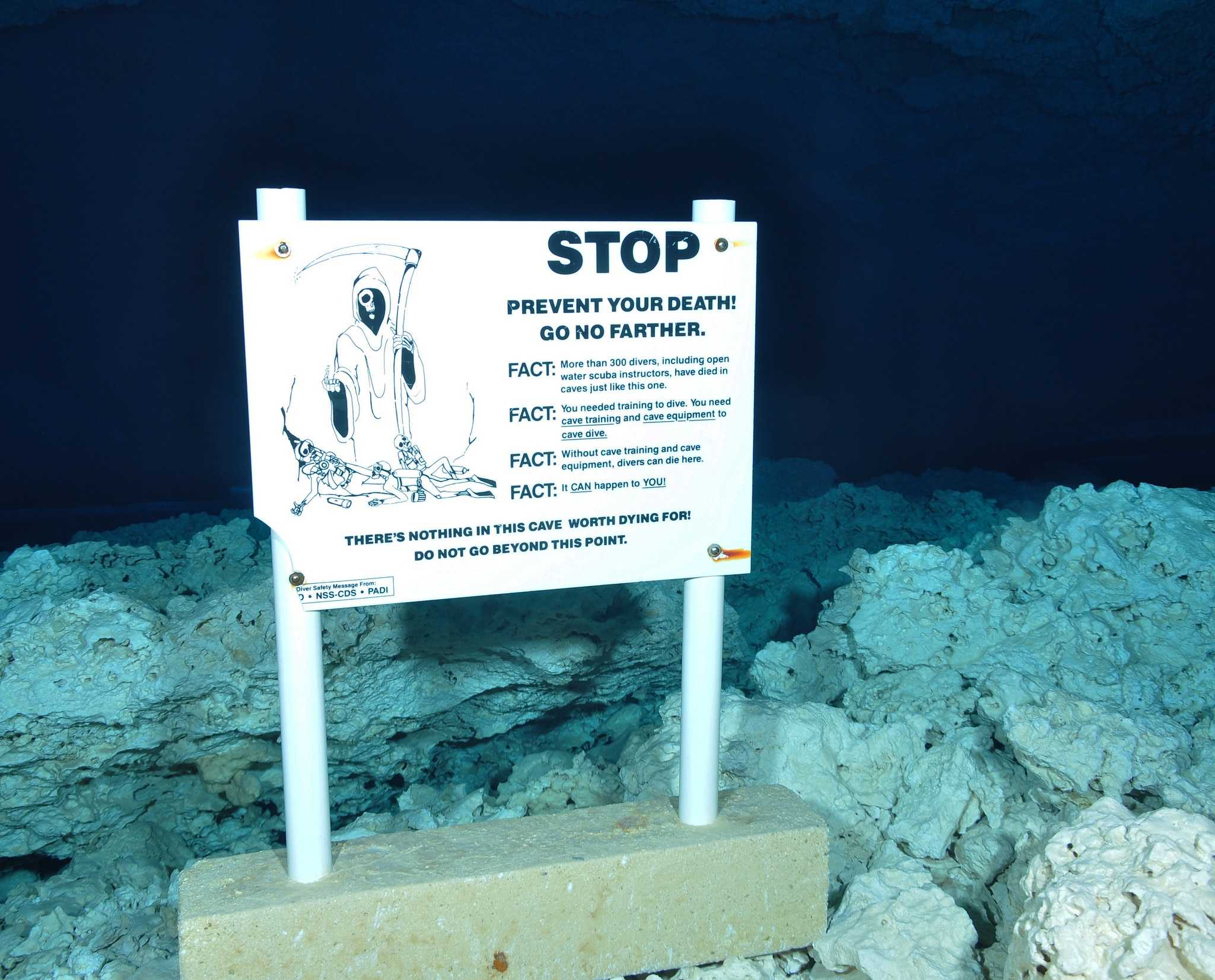 cave diving warning sign